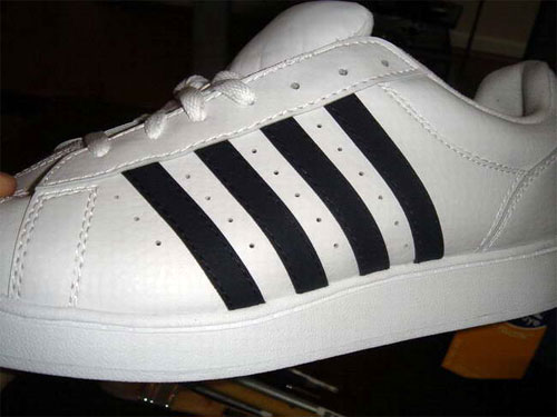 The Adidas brand with 4 bars instead of 3, a China knockoff.