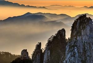 huang shan mountains hiking