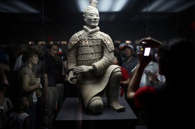 xian terra cotta soldiers army china travel pictures photos