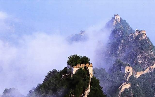 The Great Wall of China in the midst of clouds