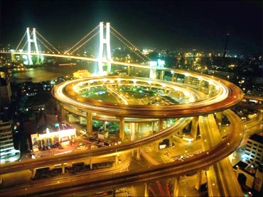 Intertwining highway roads in China